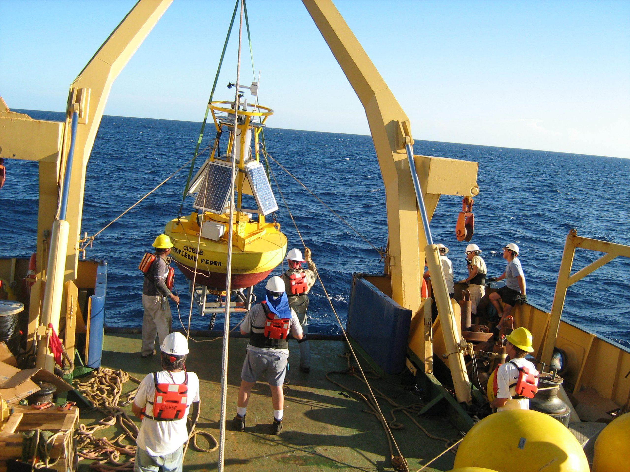 Medición de parámetros físicos y meteorológicos en el Golfo de México durante la Campaña oceanográfica Canek 42, a bordo del B_O _Justo Sierra_